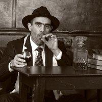 Один из семьи Капоне :: Валерий Нечистяк