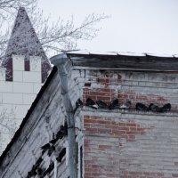 здания кирпичные зимой :: Ангелина К