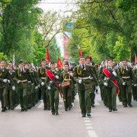 Школьники на параде победы :: Елена Маргиева