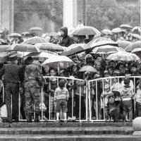 9 мая, гроза, Бишкек-Кыргызстан :: Егорка Козадаев