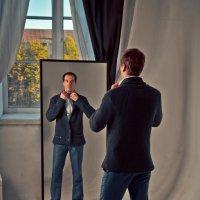 Свет мой зеркальце, скажи... :: Александр Ивашков