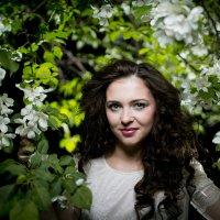 портрет в ночных яблонях :: Алексей Латкин