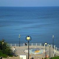 Лестница к морю.Штиль. :: Сергей Карачин