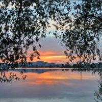 Городской пруд на закате. Кыштым :: Людмила Якимова