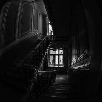 Подоконник. Окно.  Нет здесь выхода. :: Ирина Данилова
