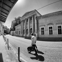 Ищу тот дом, где время повернёт обратно... :: Ирина Данилова