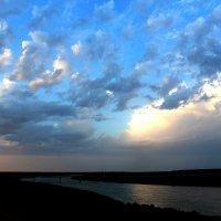 Смотреть на небо и видеть облака. Так просто. .... :: Наталья Булдакова
