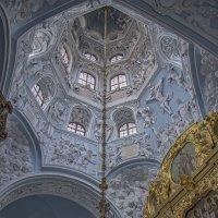 Под куполом... :: Марина Назарова