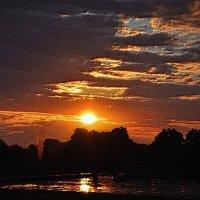 Восход солнца в Амстердаме :: Евгений Дубинский