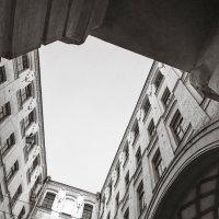 Окно в окно. :: Андрий Майковский