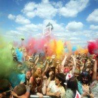 """Фестиваль красок """"Holi"""" на стадионе """"Открытие арена"""" :: Sergey Vedyashkin"""