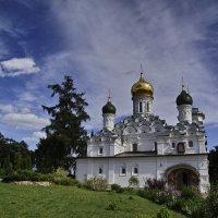 Никольский храм усадьбы Николо-Урюпино :: Андрей Спиридонов