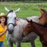 Айгуль с прекрасными лошадьми :: Алина Фаизова