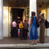 В храме - служба :: Андрей Лукьянов