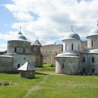 Ивангородская крепость.Церкви в Бол. Бояршем городе :: Елена Павлова (Смолова)