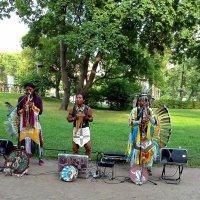 Уличные музыканты :: Liliya Kharlamova