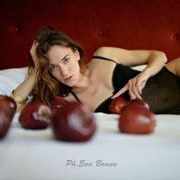 Red apple :: Юлия Браун