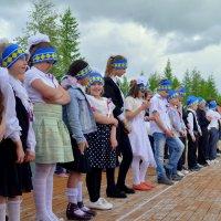 Линейка в школьном лагере. Пуровск,ЯНАО. :: Лариса Красноперова