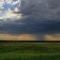 а где-то идет дождь :: Юрий Кальченко