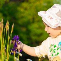 Ах, какой красивый цветок!)) :: Юлия Жорова
