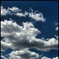 Я на крыше. Гоняю голубей. Облака - мои голуби :: Григорий Кучушев