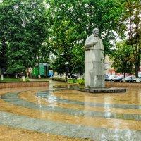памятник Н.И.Пирогову :: юрий иванов