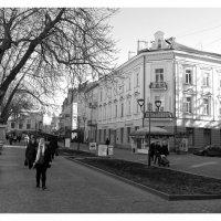 на одной из улиц :: Вячеслав Михеев