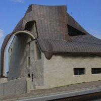 Новый дом старой веры :: M Marikfoto