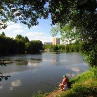 Наверное, так Адам ловил рыбу в раю :: Андрей Лукьянов