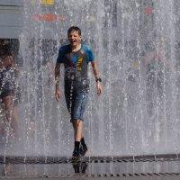 Жара в городе :: Наталия Григорьева