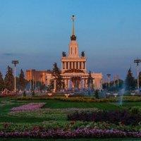В лучах заходящего солнца :: Андрей Воробьев