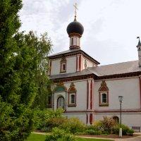 Церковь Пресвятой Троицы в Ново-Голутвине монастыре (г.Коломна) :: Владимир Болдырев