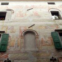 Фрески  на стенах  домов Чивидале. Италия :: Наталья Пономаренко
