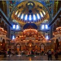 Внутреннее убранство Морского Никольского собора в Кронштадте_снято мобилкой Samsung S3 :: Станислав Лебединский