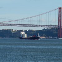 Мост через реку Тежу в Лиссабоне :: Natalia Harries