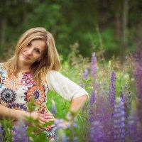на полянке с люпинами :: Kate Vasileva