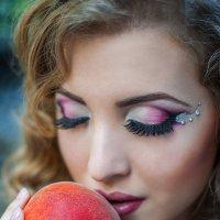 Персиковый рай :: Кристина Волкова(Загальцева)