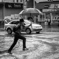 Мужчина с зонтом :: Ежъ Осипов