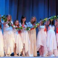 Мы дарим вам танец Любви и Мира :: Юлия Лохова