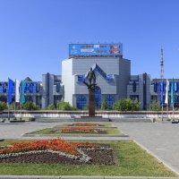 Памятник Покрышкину :: Игорь Алексеенко