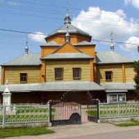 Деревянный  храм  в  Вовчинце :: Андрей  Васильевич Коляскин