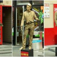 Человек-статуя (Москва, ул. Никольская) :: Владимир