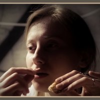 Вкус... Кусочек хлеба... :: Александр