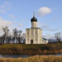 Храм Покрова на Нерли :: Юрий Воронов