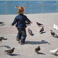 Девочка и голуби :: Эля Юрасова