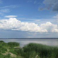 На озере. :: Михаил Попов