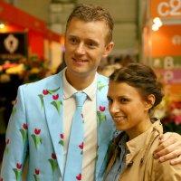 цве-точный мальчик и девушка :: Олег Лукьянов