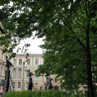 Ограда состоит из 102 бронзовых орудийных стволов :: Елена Павлова (Смолова)