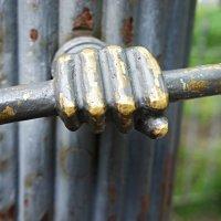 Ручка-охранник ворот Спасо-Преображенского собора :: Елена Павлова (Смолова)
