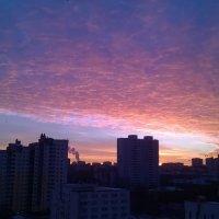 Закат в городе :: Наталья Тагирова